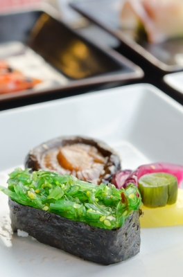 Chuka Seaweed Sushi