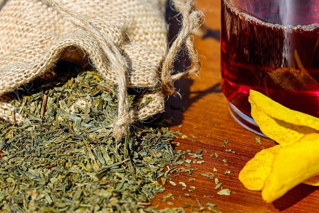 Zdravie z Babičkinej záhrady alebo čaje, ktoré by mal každý doma mať