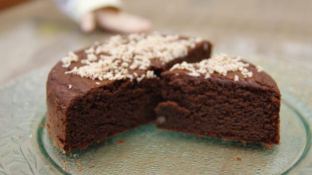 Gaštanová torta bez múky a pridaného cukru